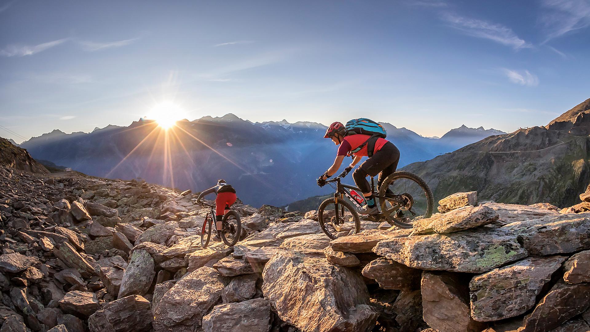 Best Mountain Bikes Under 2000 >> Full Suspension Mountain Bikes Trek Bikes