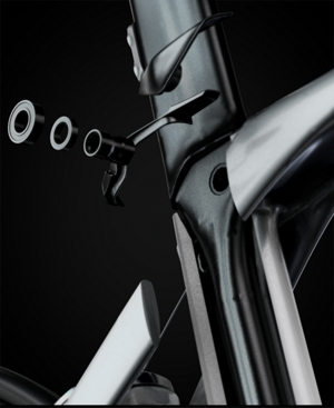 https://trek.scene7.com/is/image/TrekBicycleProducts/FeatureAsset_336306_isospeed_decoupler_madone?wid=300
