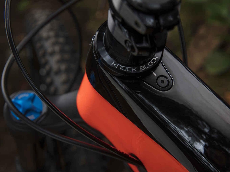 Slash 9.8 | Trek Bikes (AT)