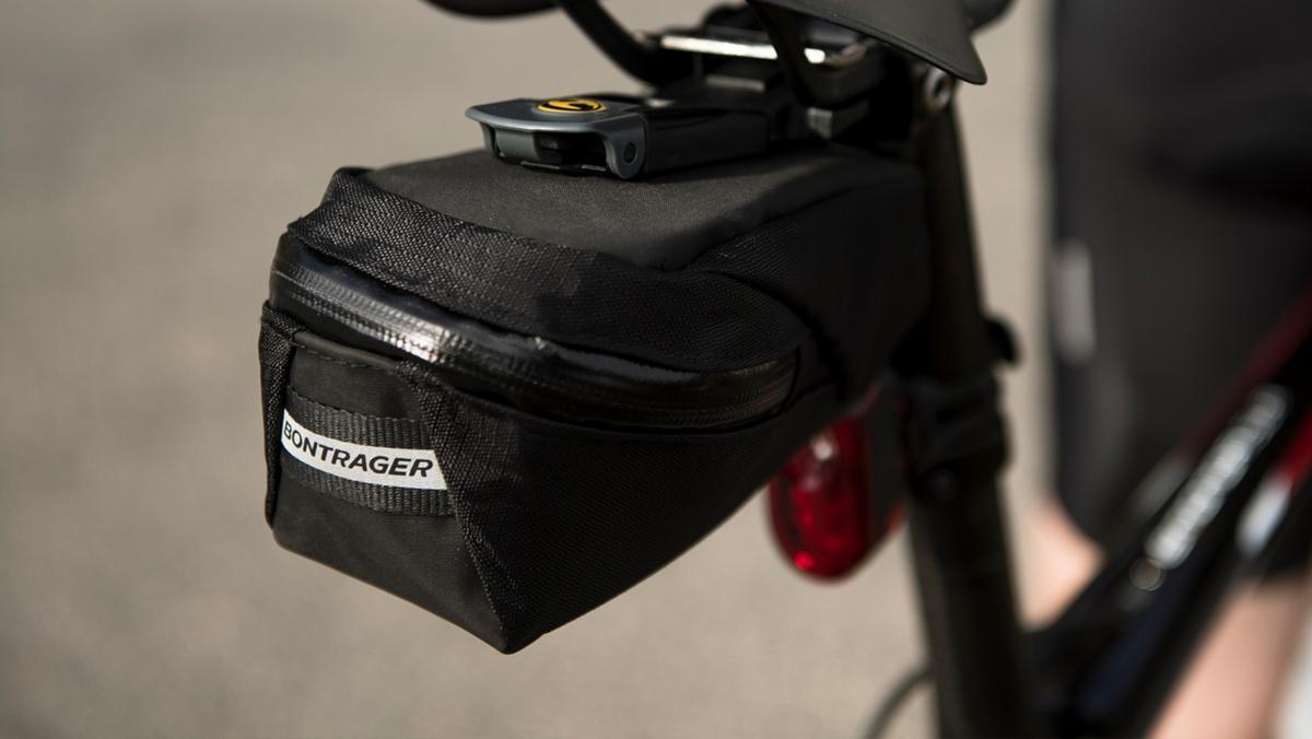 abbf70faa30 Bike bags & panniers | Trek Bikes