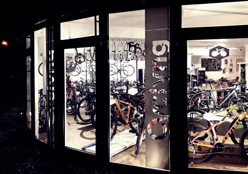 CYCLYNG Bike & Cafe
